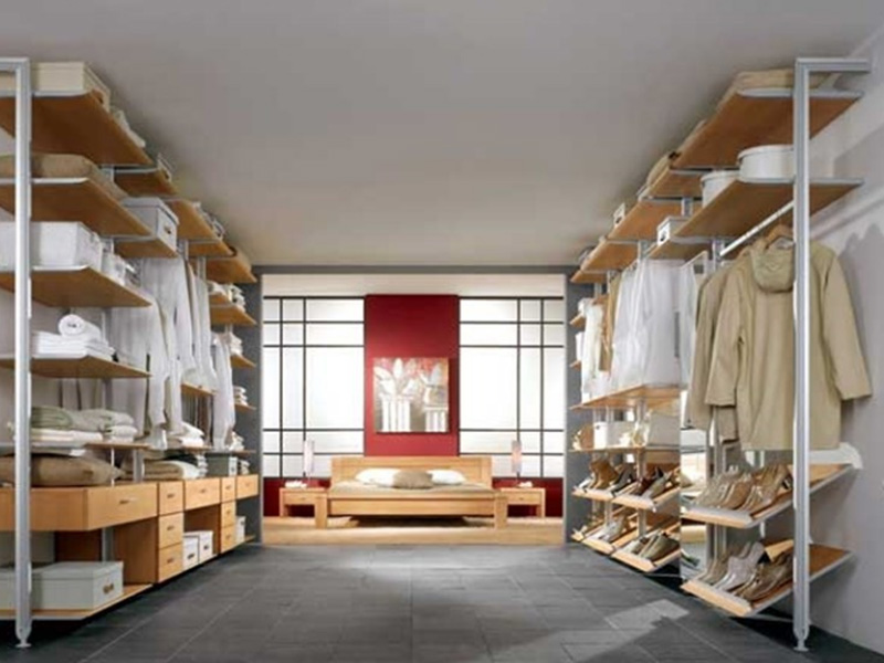 Baba. Aluminium profile to build walk-in wardrobes