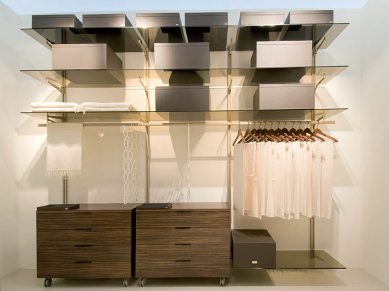Aluminium profiles to realize walk-in wardrobes and living solution